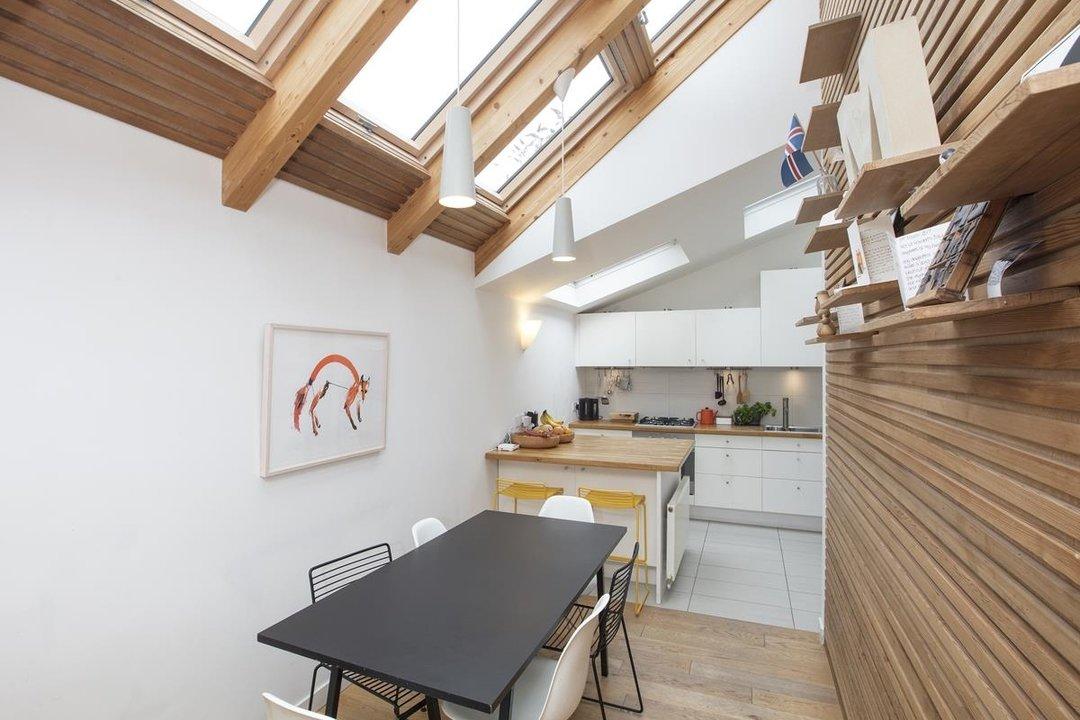 House - Detached For Sale in Solomons Passage, SE15 280 view2