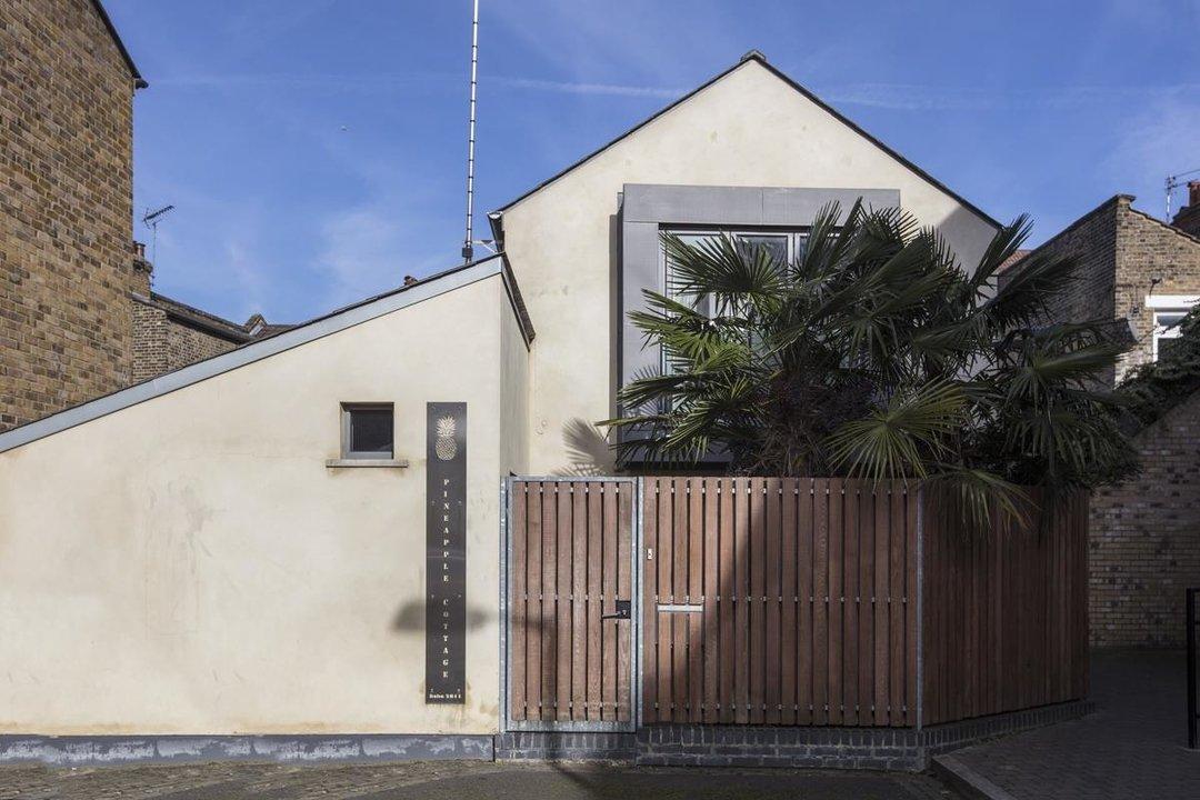 House - Detached For Sale in Solomons Passage, SE15 280 view1