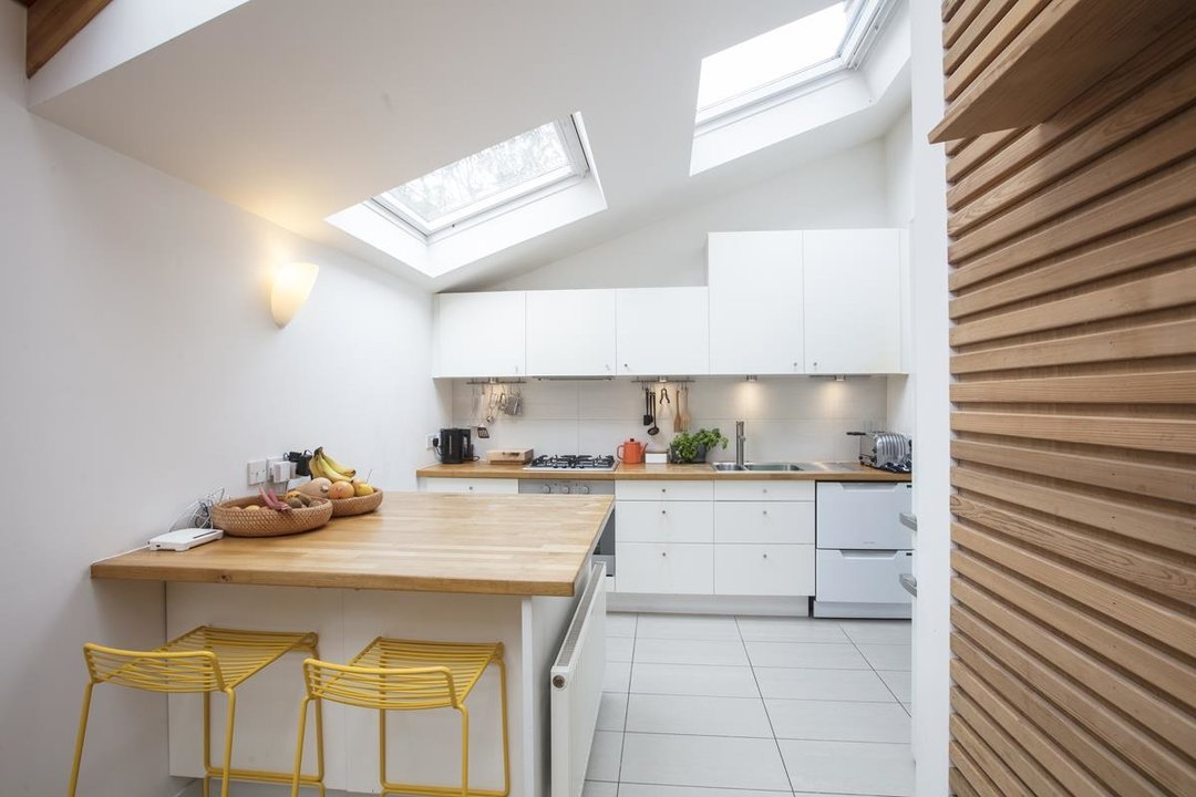 House - Detached For Sale in Solomons Passage, SE15 280 view5