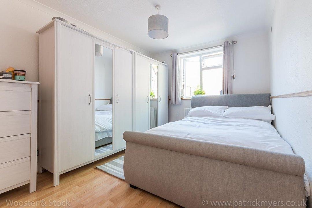 Flat - Purpose Built Sale Agreed in Southampton Way, SE5 95 view6