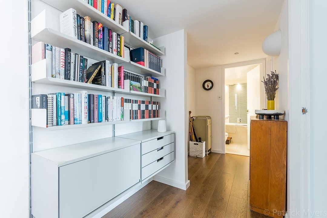 Flat/Apartment For Sale in St Gabriels Manor, Cormont Road, SE5 221 view4