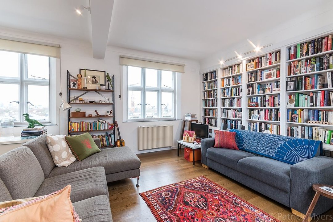 Flat/Apartment For Sale in St Gabriels Manor, Cormont Road, SE5 221 view10