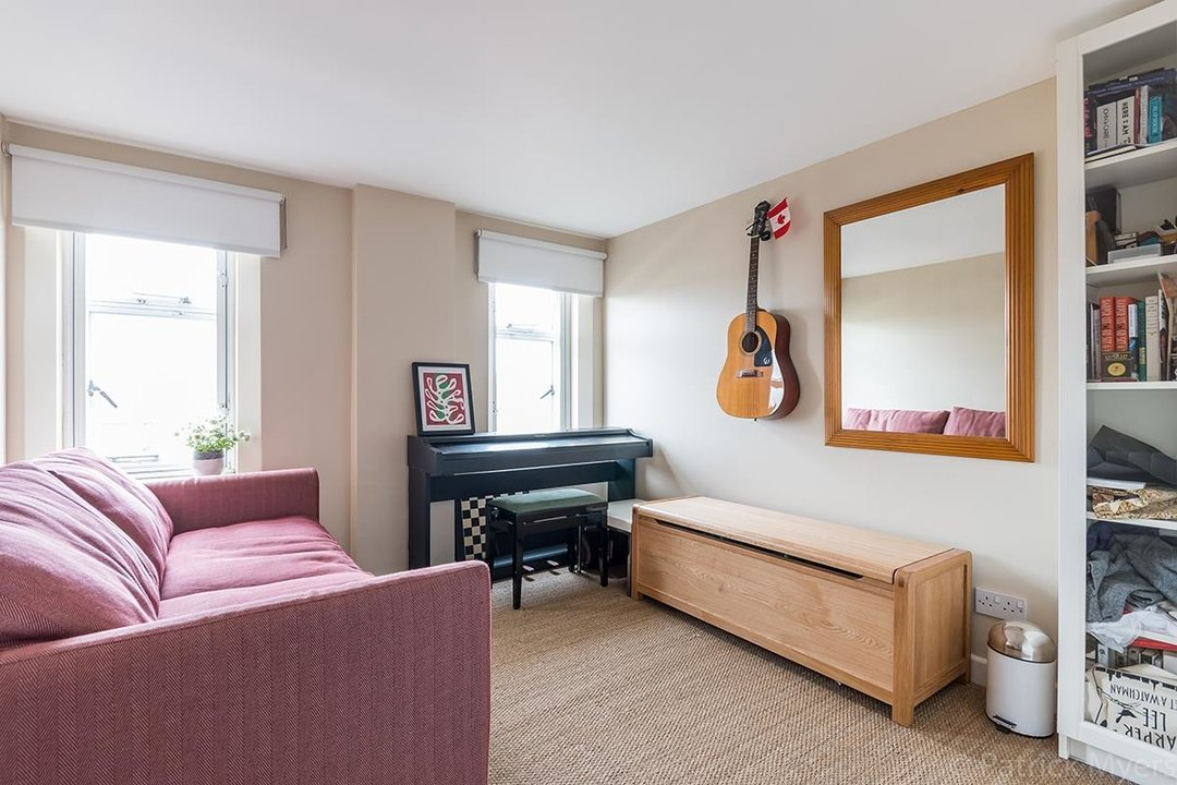 Flat/Apartment For Sale in St Gabriels Manor, Cormont Road, SE5 221 view14