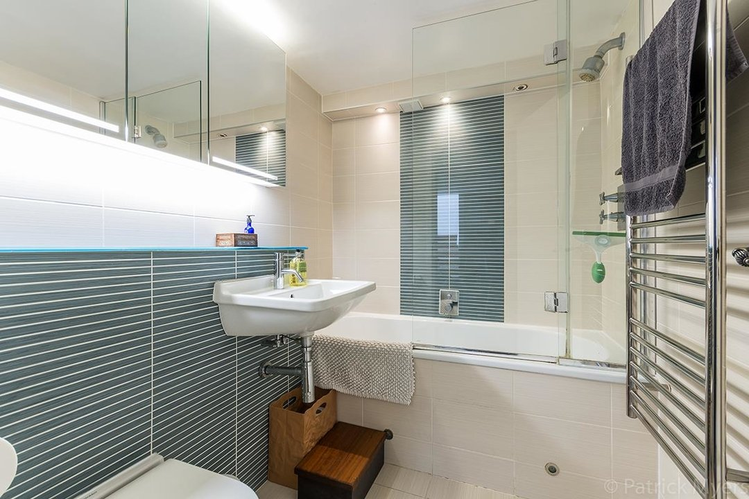 Flat/Apartment For Sale in St Gabriels Manor, Cormont Road, SE5 221 view11