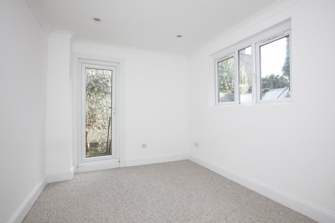Flat/Apartment For Sale in St. Giles Road, SE5 227 view9