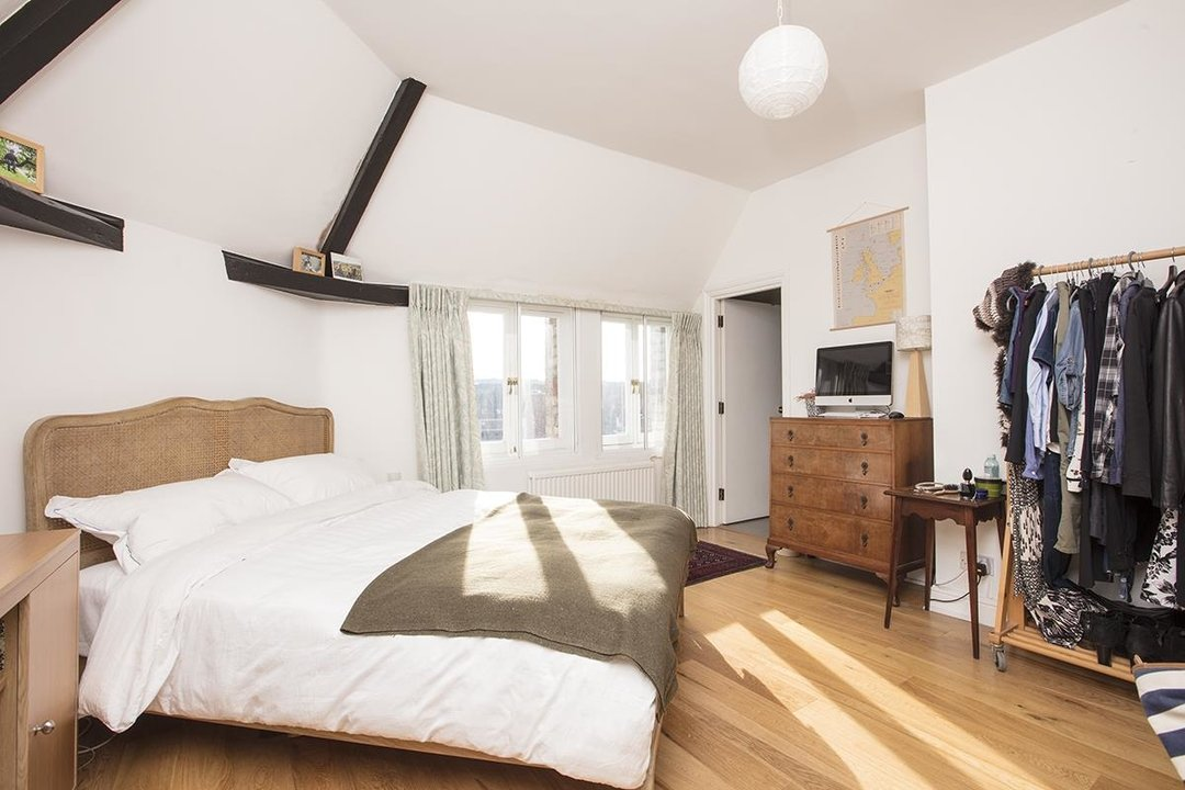 Flat - Conversion For Sale in St Giles Tower, Gables Close, SE5 261 view7