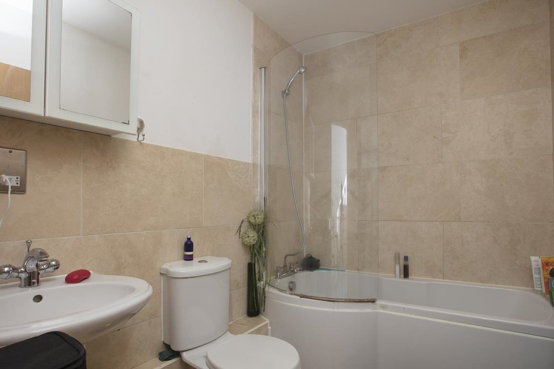Flat - Purpose Built For Sale in Sternhall Lane, SE15 198 view6