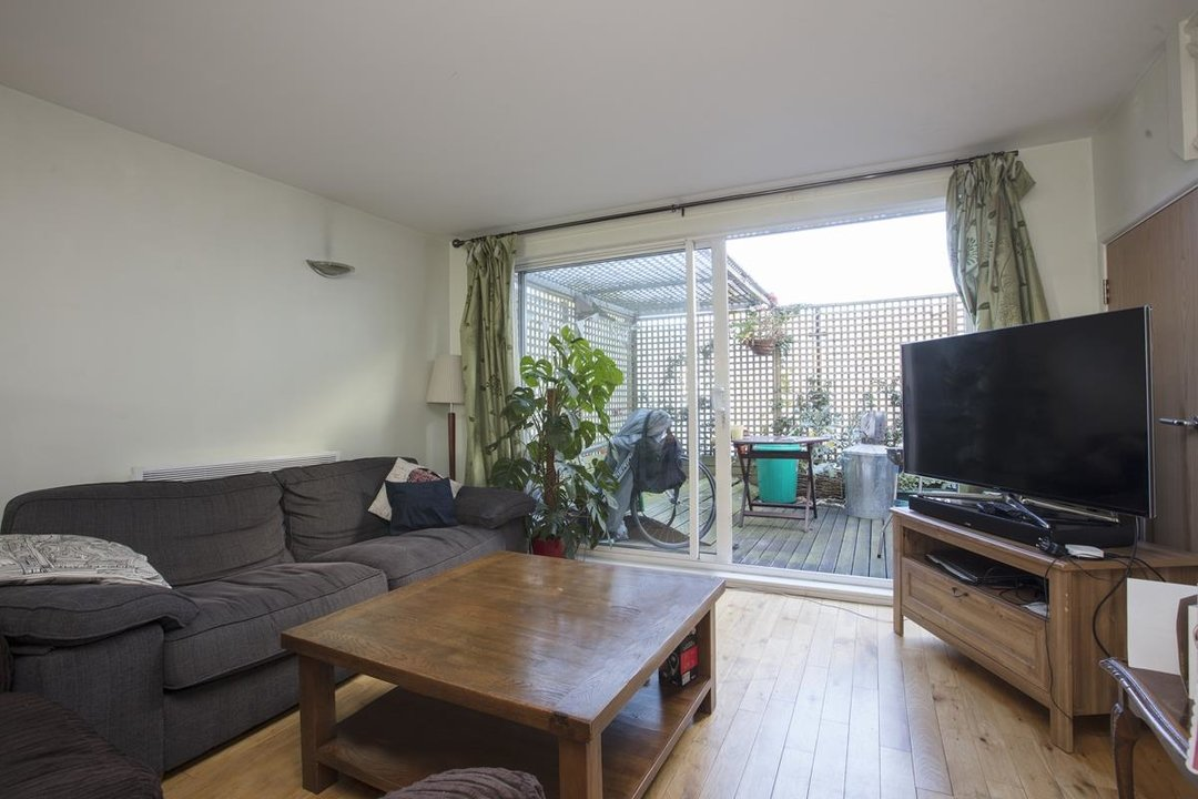 Flat - Purpose Built For Sale in Sternhall Lane, SE15 198 view2