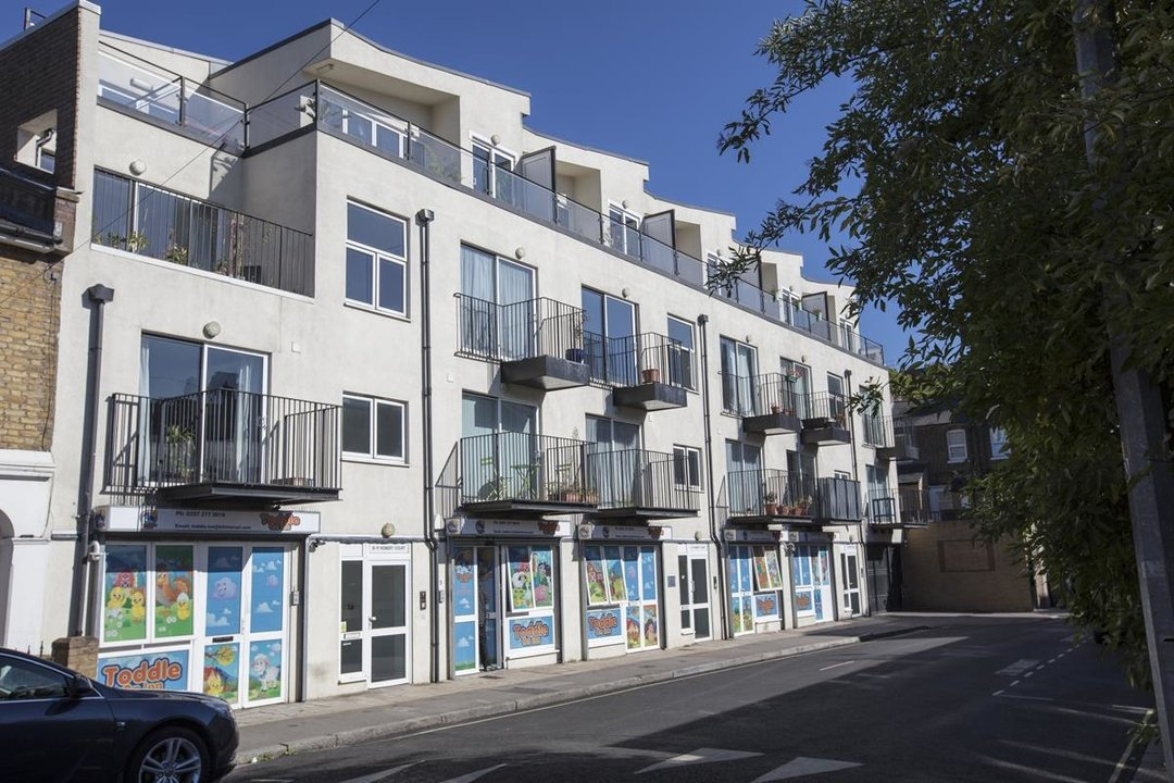 Flat - Purpose Built For Sale in Sternhall Lane, SE15 198 view1