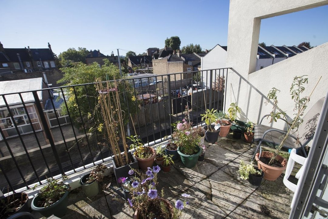Flat - Purpose Built For Sale in Sternhall Lane, SE15 198 view3
