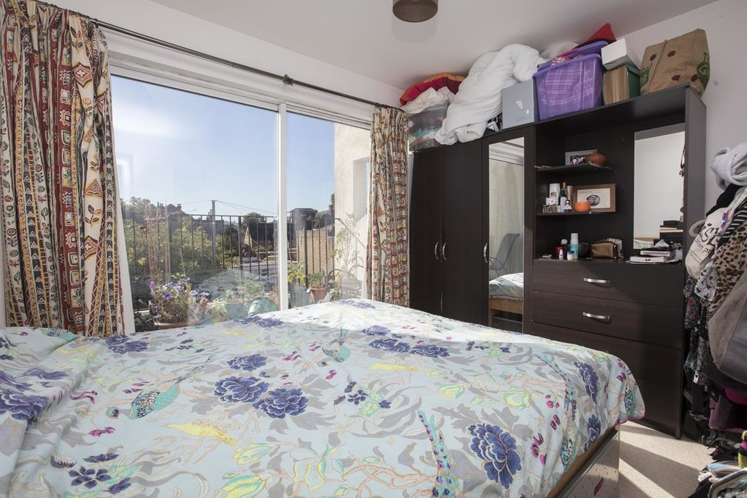 Flat - Purpose Built For Sale in Sternhall Lane, SE15 198 view5