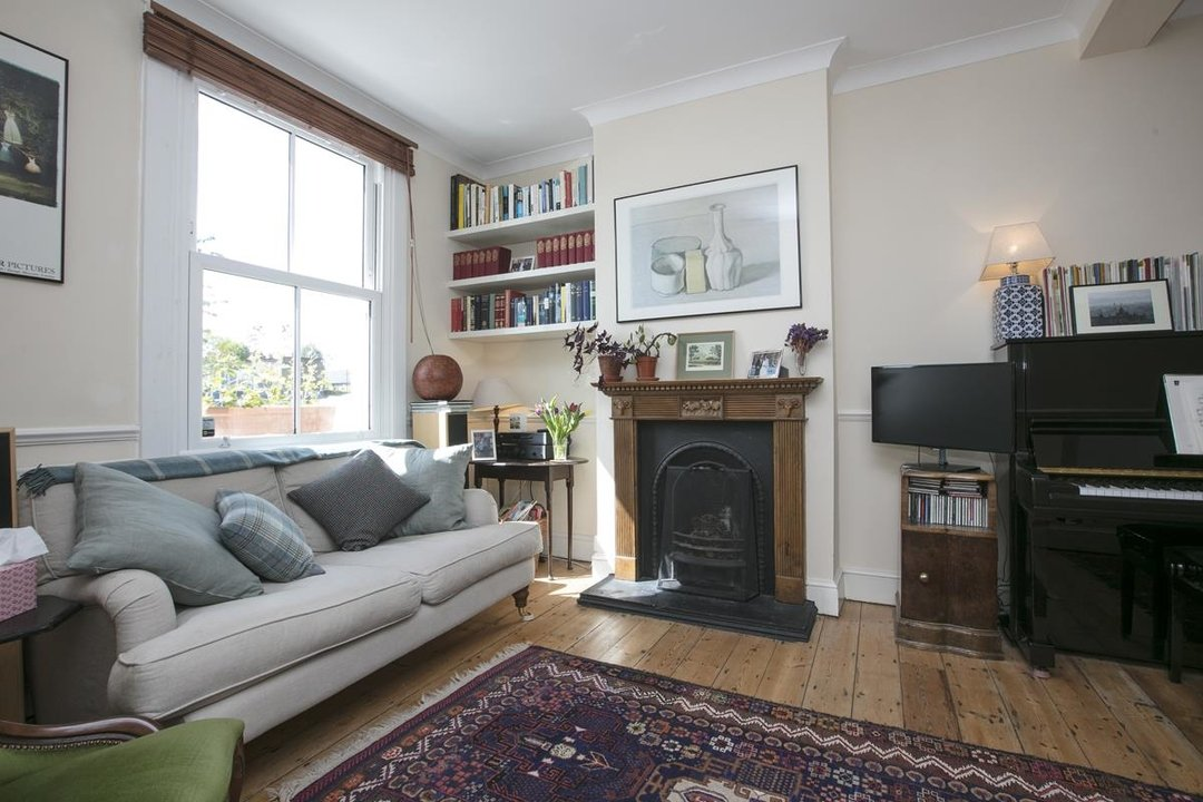 House - Terraced For Sale in Sturdy Road, SE15 324 view3