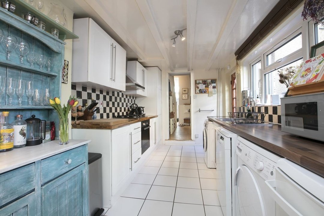House - Terraced For Sale in Sturdy Road, SE15 324 view5
