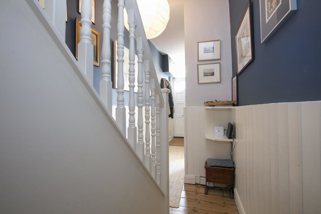 House - Terraced For Sale in Sturdy Road, SE15 324 view9