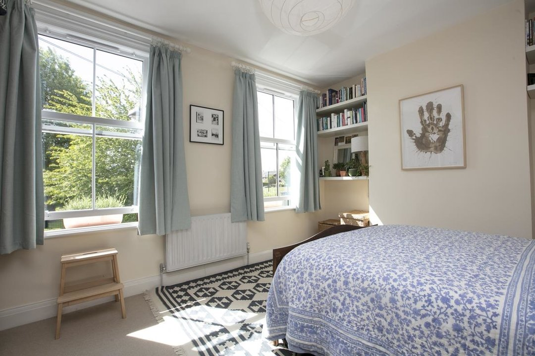 House - Terraced For Sale in Sturdy Road, SE15 324 view10