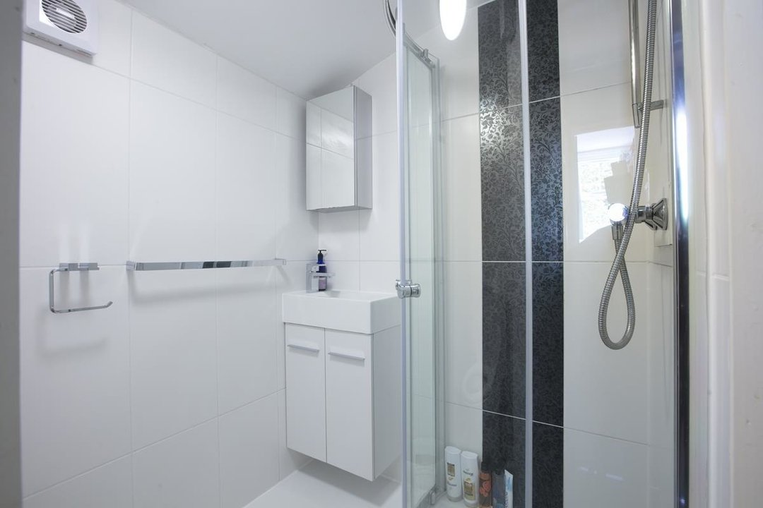 House - Terraced For Sale in Sturdy Road, SE15 324 view14