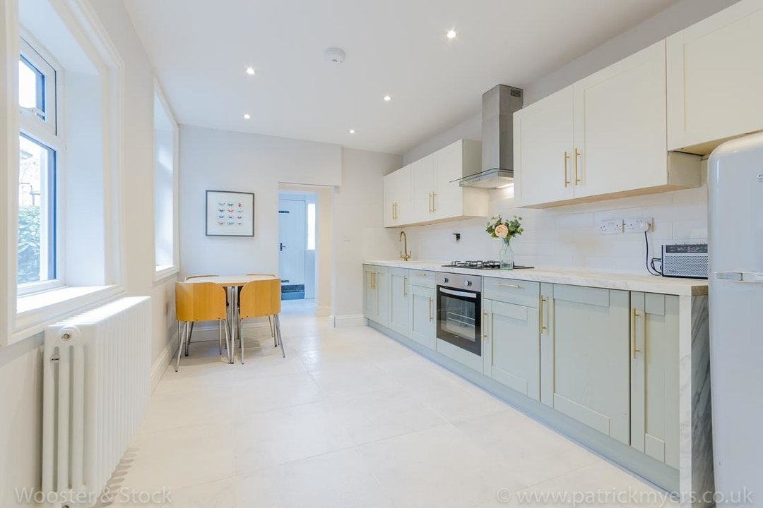 House - Terraced For Sale in Surrey Road, SE15 266 view4