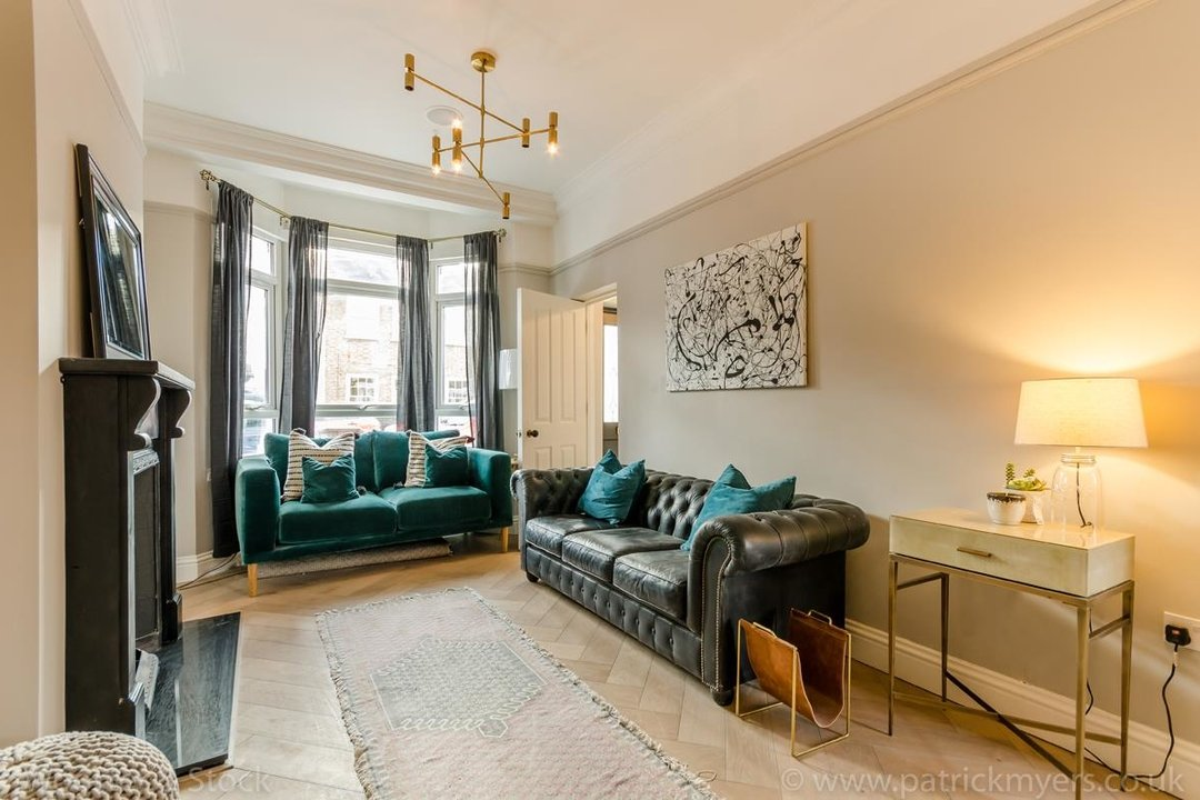 House - Terraced For Sale in Surrey Road, SE15 266 view2