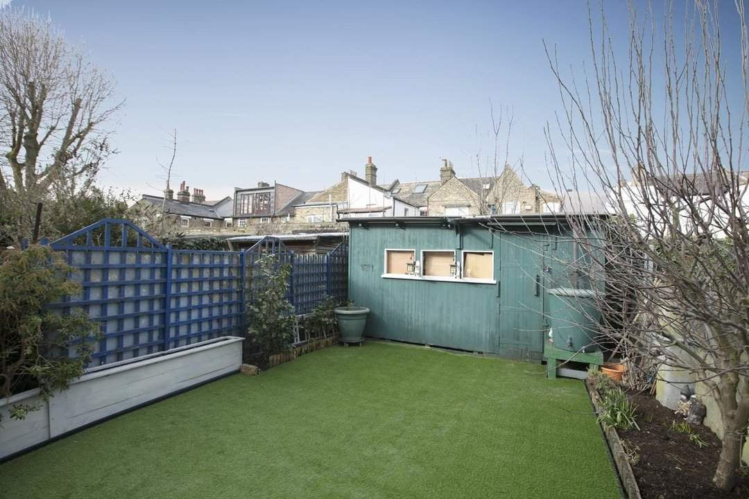 House - Terraced For Sale in Surrey Road, SE15 266 view9