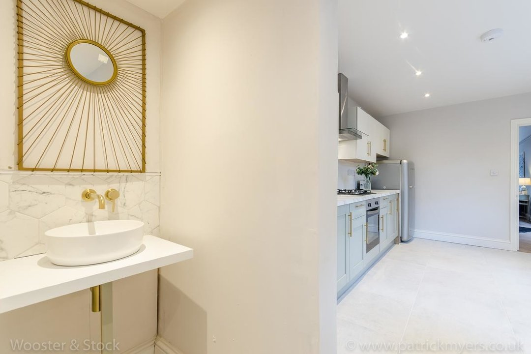 House - Terraced For Sale in Surrey Road, SE15 266 view14