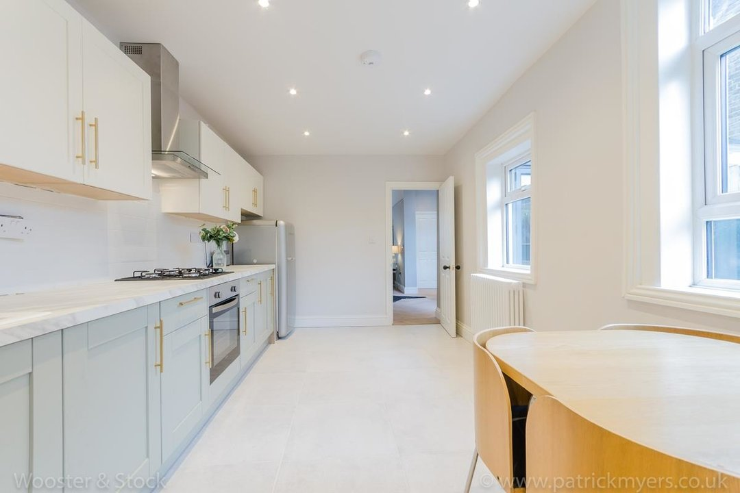 House - Terraced For Sale in Surrey Road, SE15 266 view12