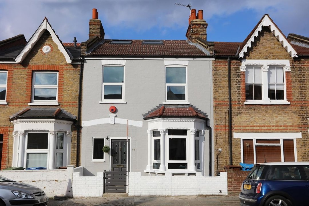 House - Terraced For Sale in Surrey Road, SE15 266 view1