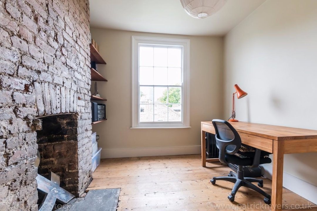 House - Terraced For Sale in Sutherland Square, SE17 197 view16