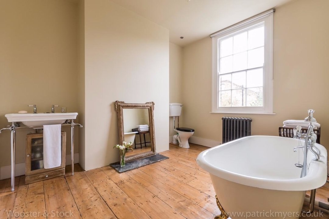 House - Terraced For Sale in Sutherland Square, SE17 197 view7