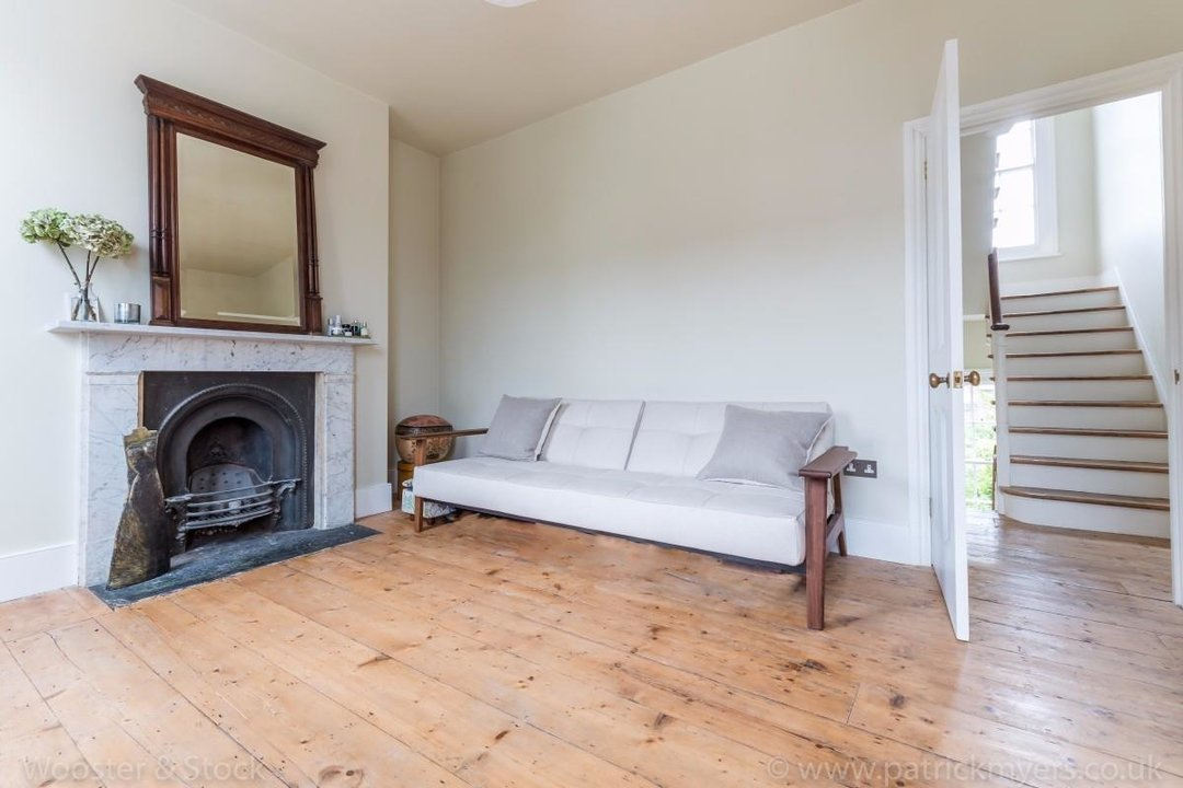 House - Terraced For Sale in Sutherland Square, SE17 197 view29
