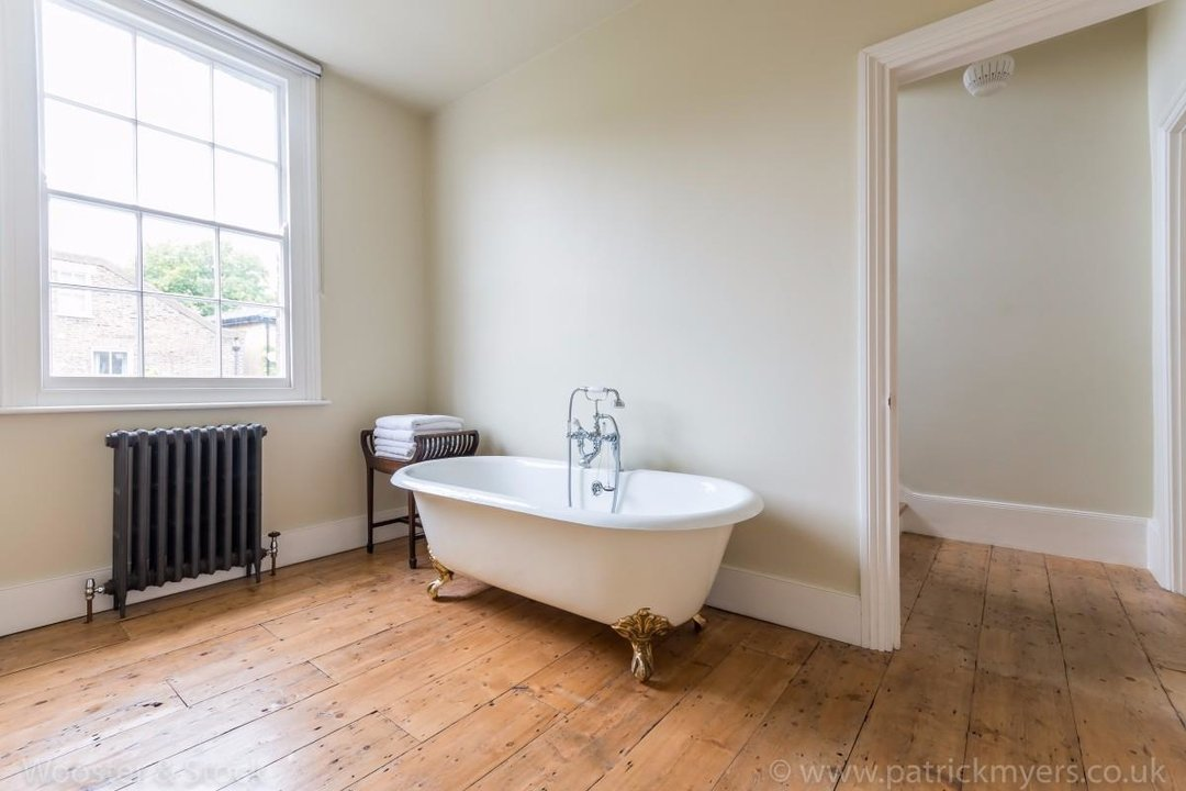 House - Terraced For Sale in Sutherland Square, SE17 197 view13