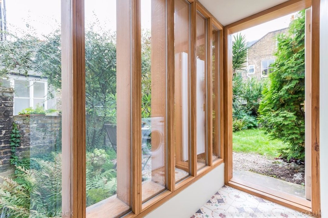 House - Terraced For Sale in Sutherland Square, SE17 197 view12