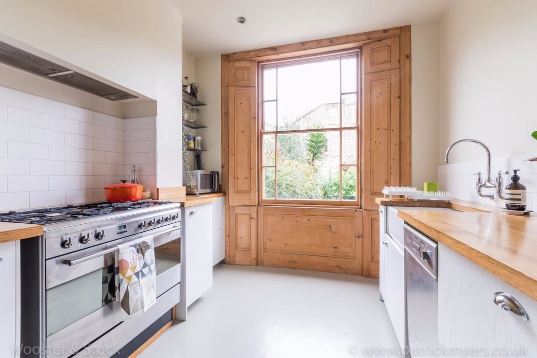 House - Terraced For Sale in Sutherland Square, SE17 197 view5