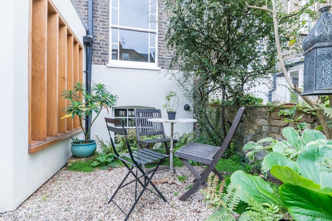 House - Terraced Sold in Sutherland Square, SE17 278 view20