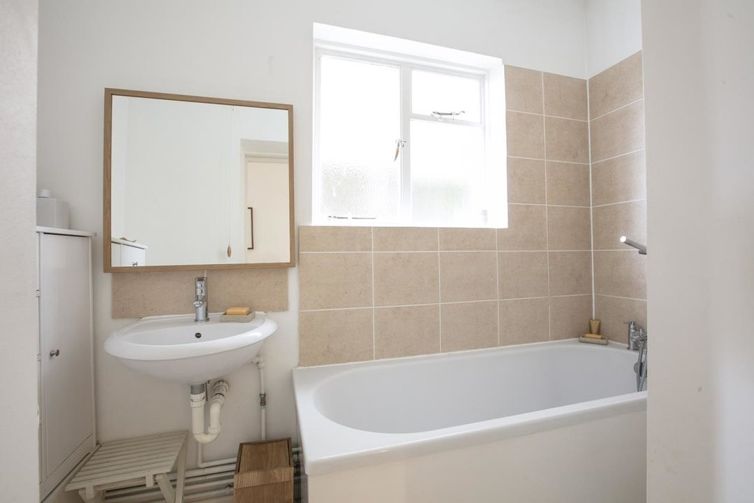 Flat/Apartment Sale Agreed in Talfourd Road, SE15 283 view10