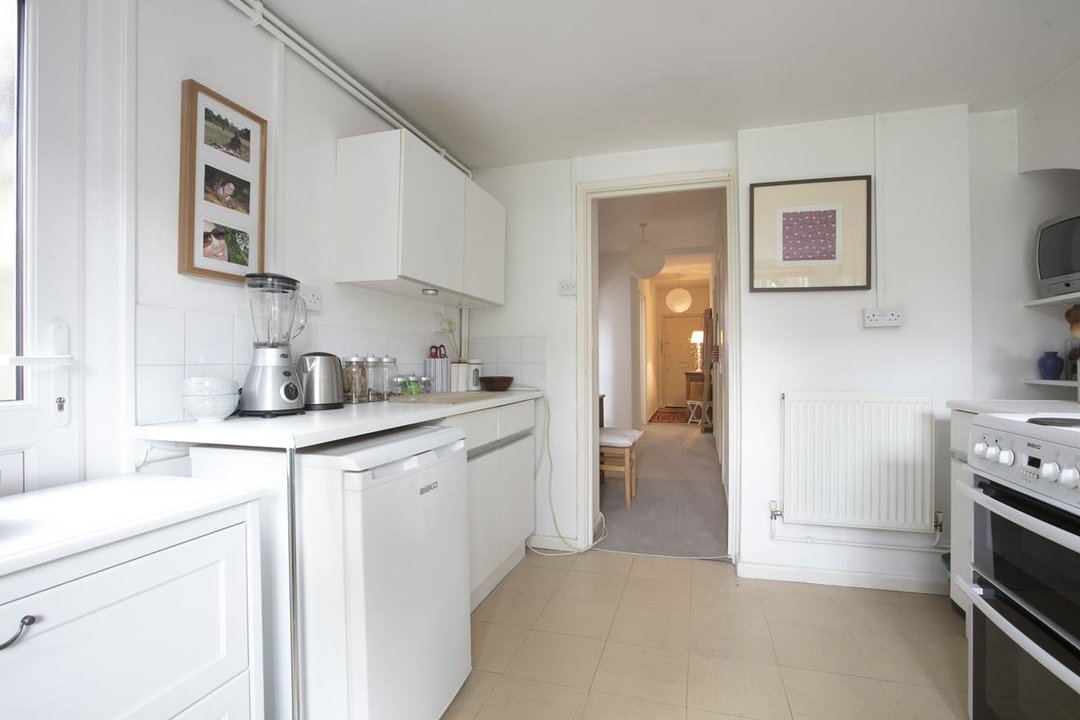 Flat/Apartment For Sale in Talfourd Road, SE15 283 view3