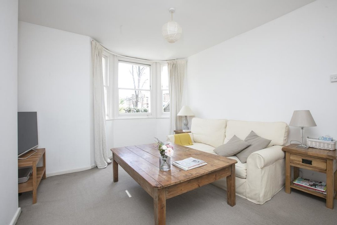 Flat/Apartment Sale Agreed in Talfourd Road, SE15 283 view2