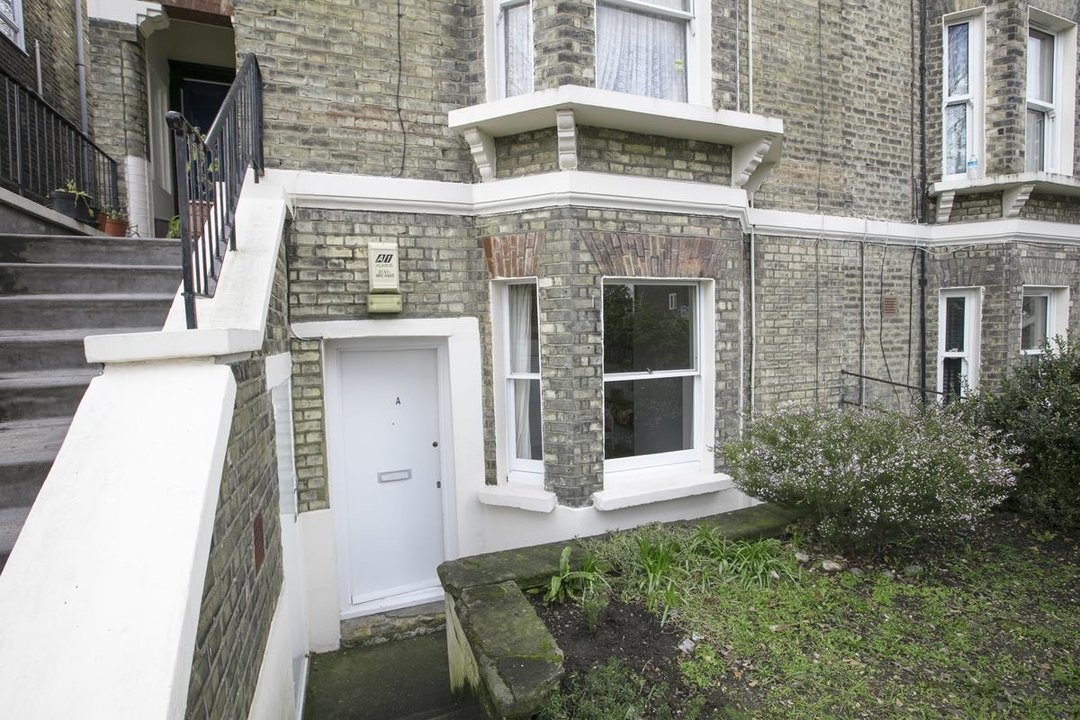 Flat/Apartment Sale Agreed in Talfourd Road, SE15 283 view7