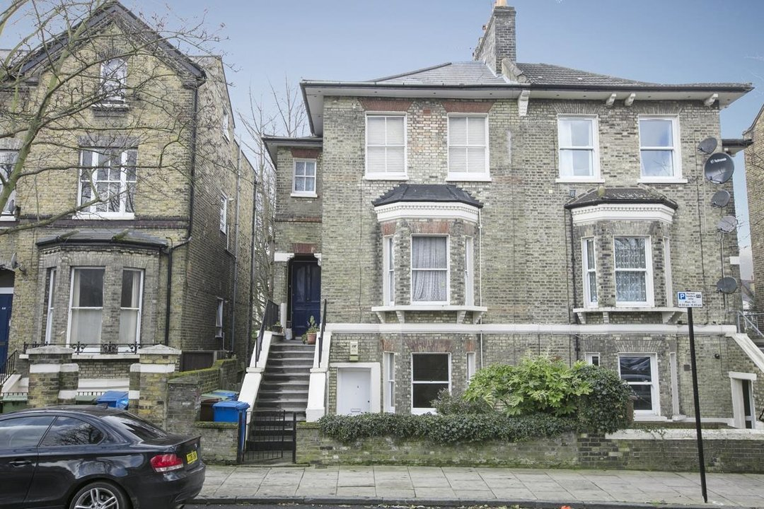 Flat/Apartment Sale Agreed in Talfourd Road, SE15 283 view1