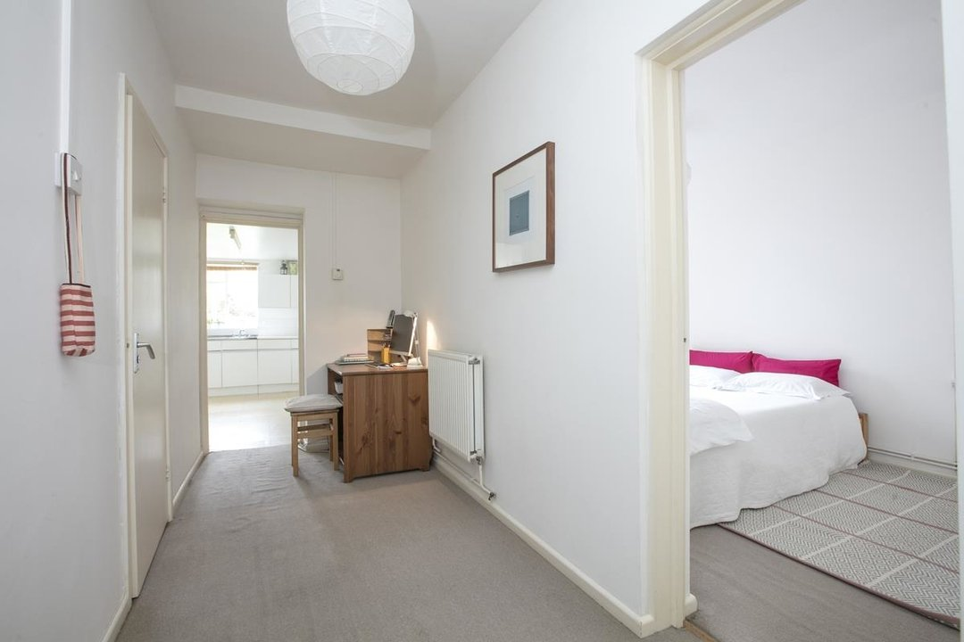 Flat/Apartment Sale Agreed in Talfourd Road, SE15 283 view9
