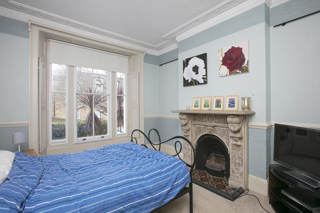 Flat - Conversion For Sale in Thorne Road, SW8 279 view8