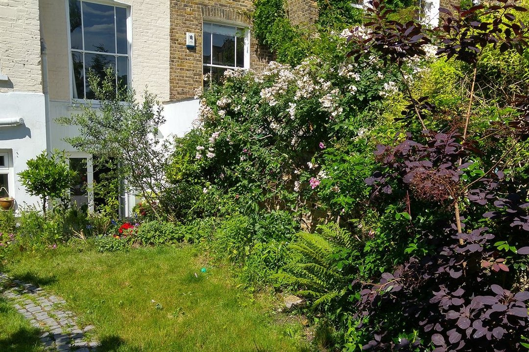 Flat/Apartment For Sale in Thorne Road, SW8 300 view23