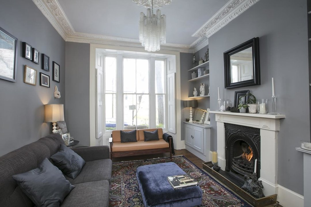Flat/Apartment For Sale in Thorne Road, SW8 300 view9