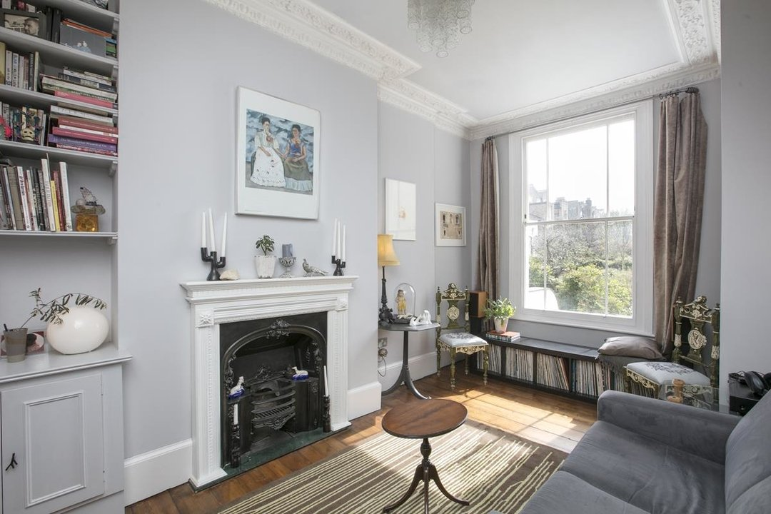 Flat/Apartment For Sale in Thorne Road, SW8 300 view6