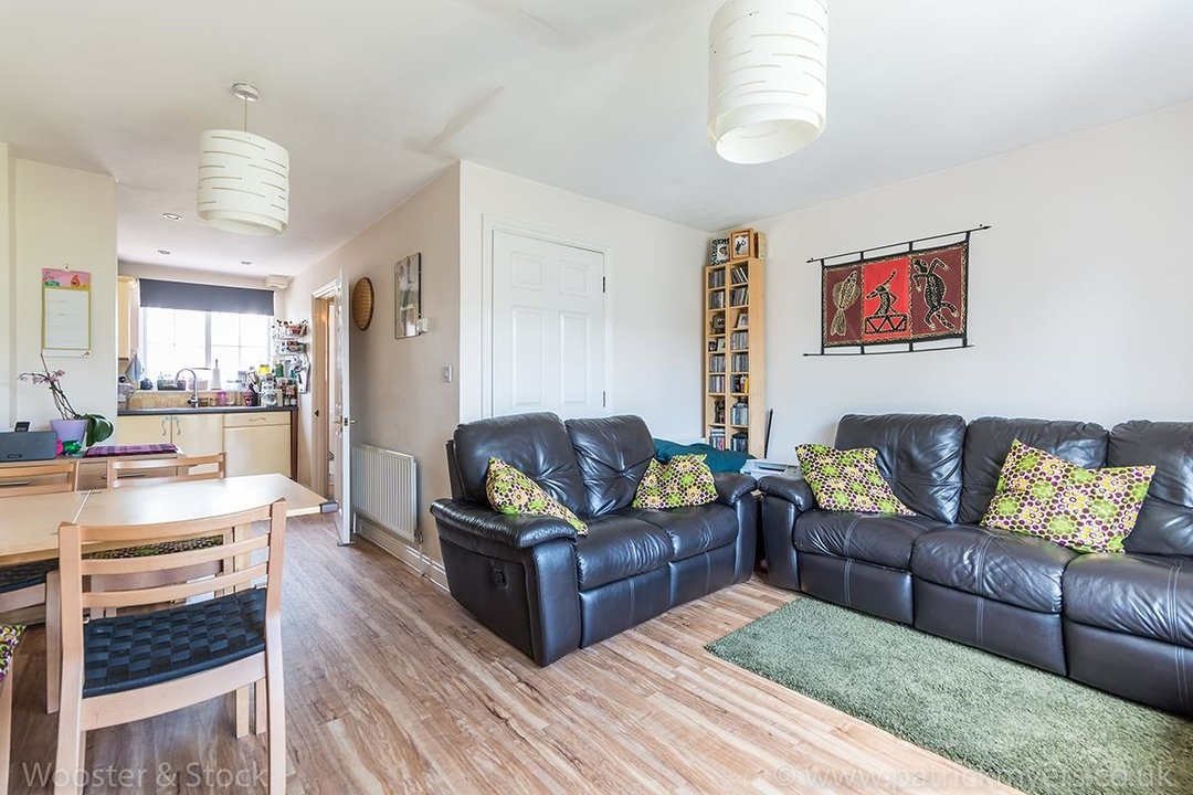 House - Terraced For Sale in Tilson Close, SE5 287 view2