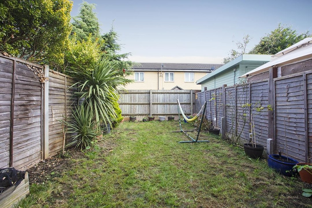 House - Terraced For Sale in Tilson Close, SE5 287 view15