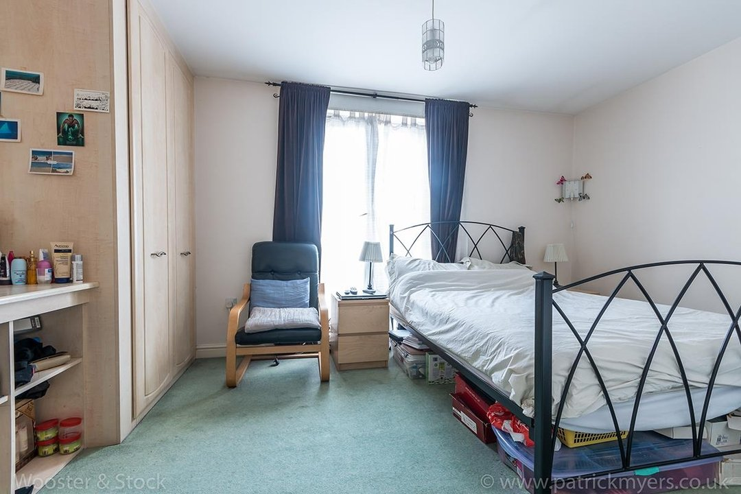 House - Terraced For Sale in Tilson Close, SE5 75 view9