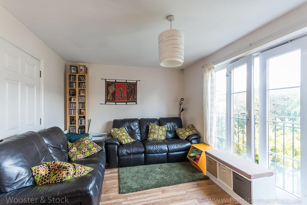 House - Terraced For Sale in Tilson Close, SE5 75 view5