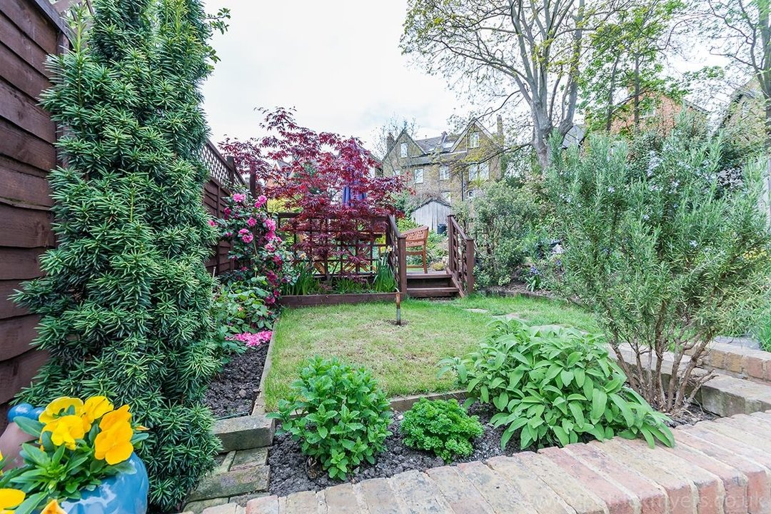 House - Terraced Sold in Trenholme Road, SE20 193 view25