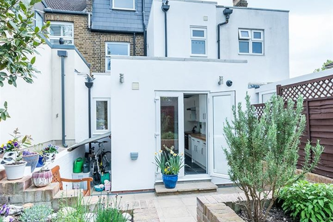 House - Terraced Sold in Trenholme Road, SE20 193 view24