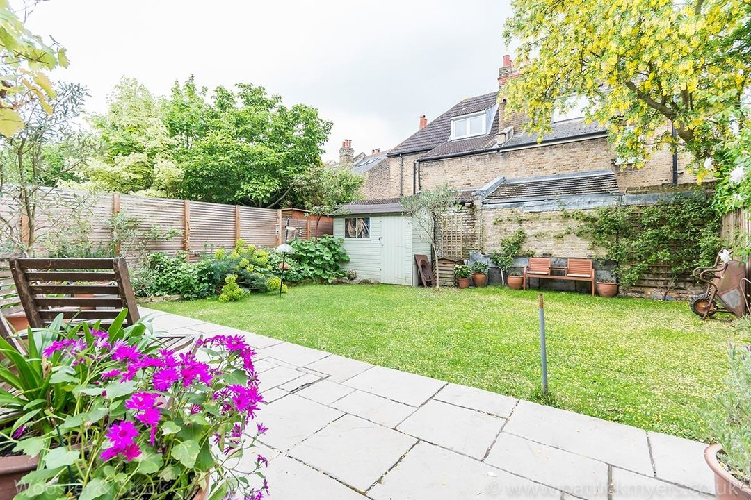 House - Terraced Sale Agreed in Tresco Road, SE15 225 view10